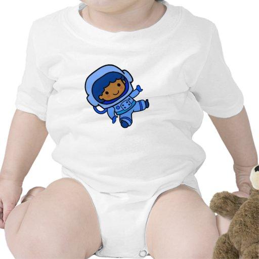 Muchacho del astronauta traje de bebé