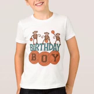 Muchacho del baloncesto del cumpleaños camisas