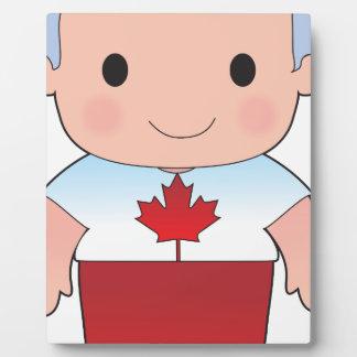 Muchacho del canadiense de la amapola placas para mostrar