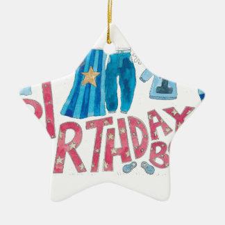Muchacho del cumpleaños adorno navideño de cerámica en forma de estrella