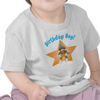 Muchacho del cumpleaños del mono del calcetín camiseta