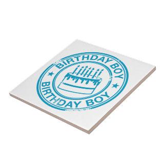 Muchacho del cumpleaños - efecto azul del sello de azulejo cuadrado pequeño