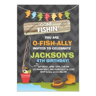 Muchacho del fiesta de pesca de la invitación del