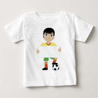 Muchacho del fútbol playera de bebé