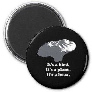 Muchacho del globo - es un pájaro. Es un avión. Es Imán Redondo 5 Cm