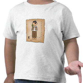 Muchacho del pirata con el mapa camisetas