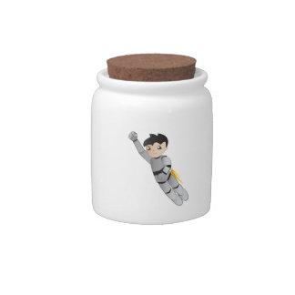 Muchacho del robot jarras para caramelos