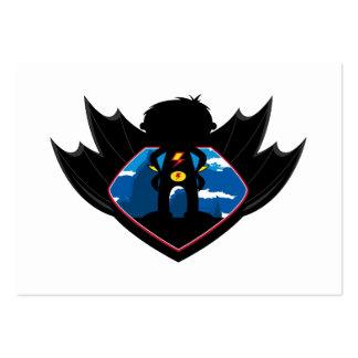 Muchacho del super héroe en escudo con alas plantilla de tarjeta personal
