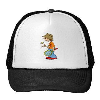 Muchacho del tenis en gorra
