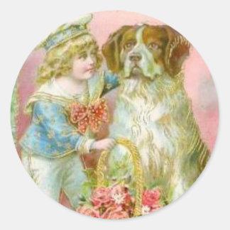 Muchacho del Victorian con el perro de St Bernard Pegatina Redonda