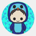 Muchacho en el juego de pingüino (club de Kawaii) Pegatina