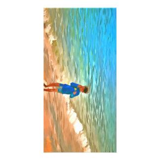 Muchacho en la playa tarjetas con fotos personalizadas
