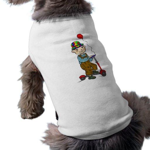 Muchacho en la vespa con el globo 2 camisa de perro
