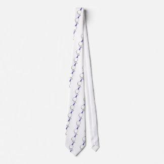 Muchacho en un vestido corbatas