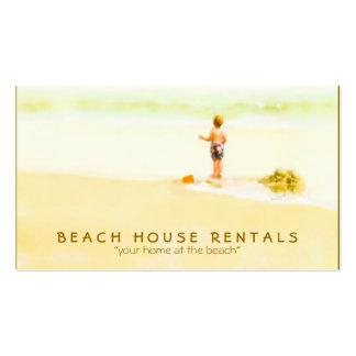 Muchacho en una acuarela de la playa tarjeta de visita