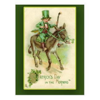 Muchacho irlandés en tarjetas del día de St Patric Tarjetas Postales