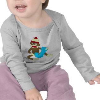 Muchacho J del monograma del mono del calcetín Camisetas