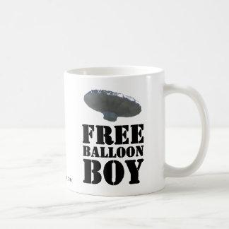 Muchacho libre del globo taza