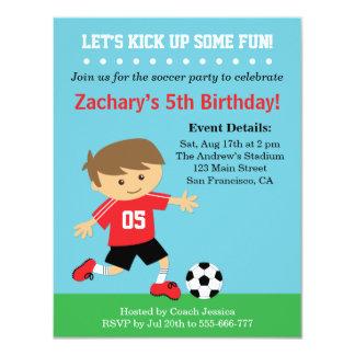 """Muchacho lindo del fútbol, fiesta de cumpleaños invitación 4.25"""" x 5.5"""""""