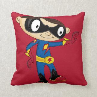 Muchacho lindo del super héroe almohada