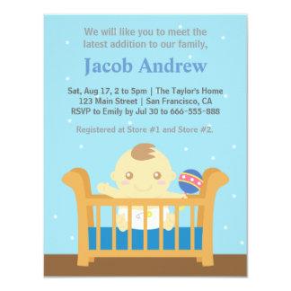 Muchacho lindo en fiesta de bienvenida al bebé del invitación 10,8 x 13,9 cm