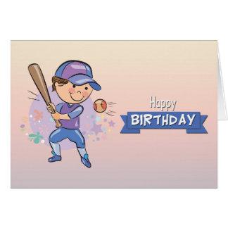 Muchacho lindo que juega la tarjeta de cumpleaños