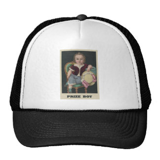 Muchacho premiado gorra