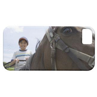 Muchacho que monta un caballo funda para iPhone SE/5/5s