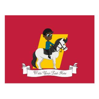 Muchacho que monta un dibujo animado del caballo postales