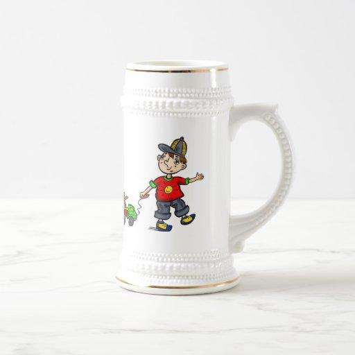 Muchacho que tira del juguete 2 tazas de café