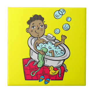 Muchacho que toma el baño azulejo cuadrado pequeño
