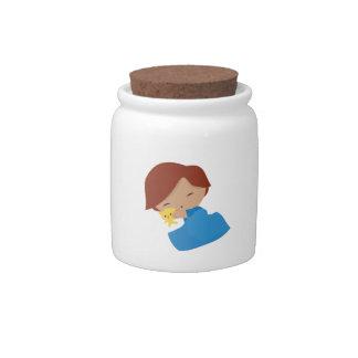 Muchacho soñoliento jarras para caramelos
