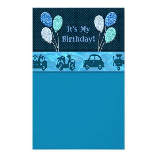 Muchacho total del cumpleaños en el azul papeleria personalizada