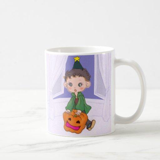 Muchacho y chica de Halloween Taza Clásica
