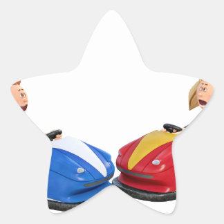 Muchacho y chica del dibujo animado en coches de pegatina en forma de estrella