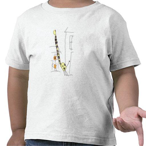 Muchacho y jirafa camiseta