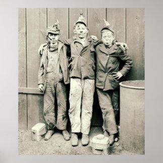 Muchachos 1900 del triturador del carbón póster