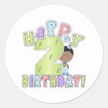 Muchachos 2do cumpleaños feliz, afroamericano etiqueta redonda