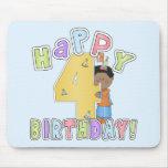 Muchachos 4to cumpleaños feliz, afroamericano tapetes de raton