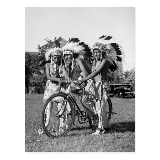 Muchachos del nativo americano, los años 30 tarjeta postal