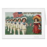 Muchachos que marchan vestidos como marineros tarjeta de felicitación
