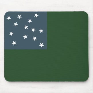 Muchachos verdes de la montaña y la bandera de la  mouse pads