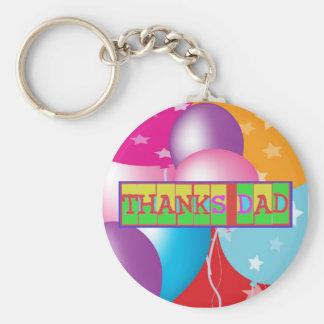 """Muchas maneras de decir al """"papá de las gracias"""":  llaveros"""