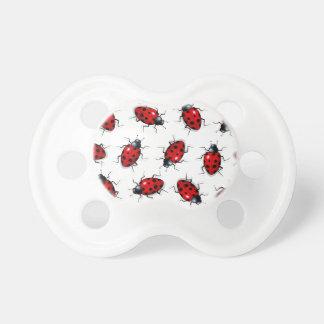 Muchas mariquitas: Insectos: Real-mirada del ejemp Chupetes Para Bebés