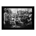 Muchedumbre de refugiados judíos en Rusia 1912 Tarjetón