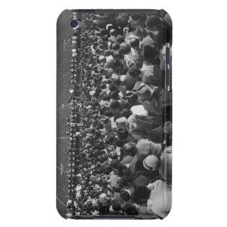 Muchedumbre en estadio iPod Case-Mate carcasas
