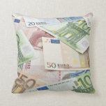 Muchos billetes de banco euro almohadas