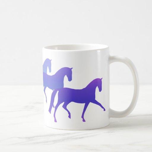 Muchos caballos (azules) taza clásica