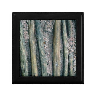 mud and wattle wall detail gift box