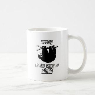 Mudanza a la velocidad de la pereza taza